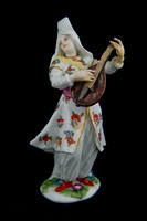 P018 - MEISSEN FIGURE OF A FEMALE TURKISH MUSICIAN