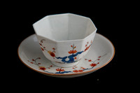 P054 - MEISSEN KAKIEMON TEABOWL AND A SAUCER
