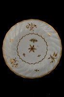P140 – CHAMBERLAIN'S WORCESTER FLUTED GILT-WHITE PLATE