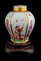 P041 - MEISSEN HEXAGONAL TEA CADDY AND COVER