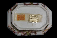 P064 - CONTINENTAL (HAUSMALEREI) OBLONG OCTAGONAL SUGAR BOX AND COVER