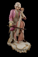 P123 - FRANKENTHAL FIGURE OF A CELLO PLAYER