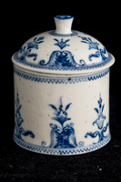 P085 - SAMSON SAINT CLOUD STYLE BLUE AND WHITE POMMADE POT AND COVER