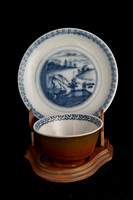 P084 - MEISSEN KAPUZINER-BRAUN GROUND BLUE AND WHITE TEA BOWL AND SAUCER