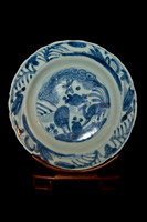 P182 - A CHINESE MING BLUE-AND-WHITE PLATE
