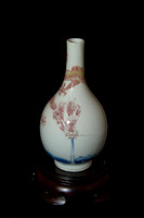 P184 - A CHINESE COPPER-RED AND UNGERGLAZE-BLUE DECORATED BOTTLE VASE