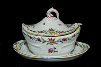 P192 - A COZZI VENICE OVAL SAUCE-TUREEN, COVER, STAND AND SPOON